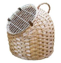 Woven Pet Caddy Carrier and Bed : Size LARGE Cat Caddy http://www.amazon.com/dp/B0002RNCI8/ref=cm_sw_r_pi_dp_TbP6ub01616TT
