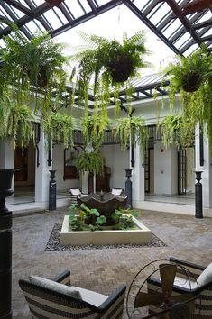 Courtyards The Siam Hotel Indoor Courtyard, Courtyard House Plans, Courtyard Design, Villa Design, Garden Design, Chinese Courtyard, Courtyard Ideas, The Siam Hotel, Terrasse Design