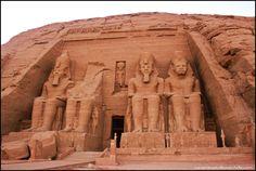 Abu Simbel o El Gran Templo de Ramses II a orillas del lago Nasser