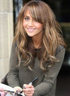 Light brown hair with blonde highlights. bangs, long layers Light brown hair with blonde highlights. Cut My Hair, New Hair, Hair Cuts, Brown Hair With Blonde Highlights, Brown To Blonde, Color Highlights, Natural Highlights, Hair Highlights, Dark Blonde