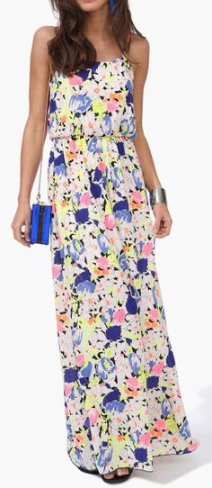 Super cute floral maxi dress with neon floral design. Look Fashion, Fashion Beauty, Fashion Outfits, Floral Maxi Dress, Dress Skirt, Pretty Outfits, Cute Outfits, Dressy Dresses, Mode Inspiration