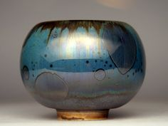 High fire, macro crystalline glaze(oil spot) on porcelain by Andrzej Medrek. Great colors.