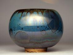 High fire, macro crystalline glaze(oil spot) on porcelain by Andrzej Medrek. Great colors.