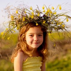 Wildflower Crown DIY: Celebrate summer with these flower wreaths (called venki in Russian) and make them with dandelions, daisies, Queen Anne's Lace, grasses or whatever happens to be in bloom. Smiles guaranteed.