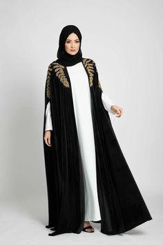 Black Velvet Enchanted Leaf Cape - Gold Frock Fashion, Abaya Fashion, Fashion Dresses, Party Fashion, Fashion Fashion, Fashion Shoes, Kids Fashion, Fashion Jewelry, Latest Dress Design