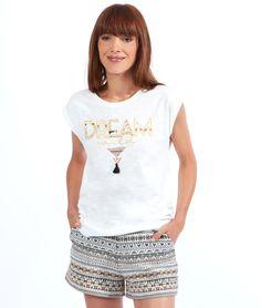 Broderies dorées et motifs ethniques, ce tee-shirt blanc sera notre chouchou tout l'été!   - Top  - Col rond  - Manches courtes  - Broderies dorées  - Le mannequin mesure 173cm et porte une taille S/36