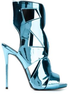 Shop Giuseppe Zanotti Design metallic sandals in Excelsior Milano from the world's best independent boutiques at farfetch.com. Over 1500 brands from 300 boutiques in one website.