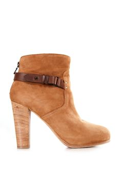 Best Ankle Booties from around the world, posted on April 2014 in Ankle boots Pretty Shoes, Beautiful Shoes, Cute Shoes, Me Too Shoes, Ankle Booties, Bootie Boots, Shoe Boots, Ankle Shoes, Dream Shoes