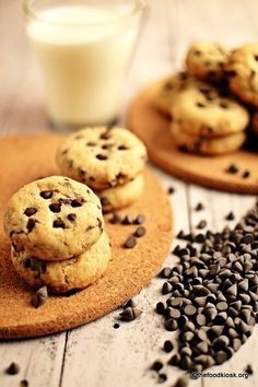Soft baked eggless chocolate chip cookies are the most loved cookies all over the world, this version is eggless, do try out! Eggless Cookie Recipes, Eggless Desserts, Eggless Baking, Baking Recipes, Baking Hacks, Free Recipes, Dessert Recipes, Chocolate Chip Recipes, Chocolate Desserts
