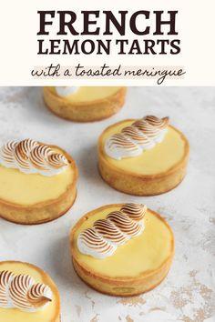 Easy Lemon Tart Recipe, Lemon Recipes, Lemon Tarte Recipe, Tart Recipes, French Lemon Tart Recipe, Sweet Recipes, Dessert Recipes, Mini Lemon Tarts, Mini Tart