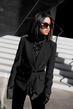 36 Ideas style edgy chic minimal classic for 2019 Fashion Mode, Aesthetic Fashion, Curvy Fashion, Trendy Fashion, Fashion Outfits, Edgy Chic Outfits, Prep Fashion, Rock Outfits, Emo Outfits
