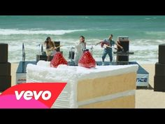 DNCE - Cake by the Ocean (Music Video)