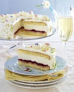 Holunder-Prosecco-Torte