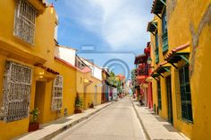 Yes, you should visit Cartagena de Indias in Colombia when you are on the Caribbean Coast. But you don't need to spend a long time. Best Places To Travel, Cool Places To Visit, Colombia Travel, Yellow Houses, Air France, Royal Caribbean, Honeymoon Destinations, India Travel, Best Hotels