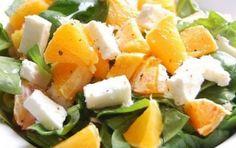 Insalata avocado, arance e feta - L'insalata di avocado, arance e feta è un piatto colorato e fresco da preparare per un pranzo estivo utilizzando un mix di frutta, verdure e formaggio.