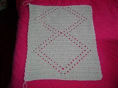 Olá amores, td bem? Estou fazendo essa passadeira de crochê para uma cliente especial, a Sueli daqui de Londrina mesmo. Como eu não tenho g... Blanket, Crochet Rugs, Decor, Crochet Carpet, Spiral Crochet, Colorful Rugs, Crochet Circles, Embroidery, Jackets
