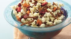 Wonderful snacks ready in 40 minutes. Enjoy this crunchy popcorn mix made with crackers, popcorn and pretzel sticks.