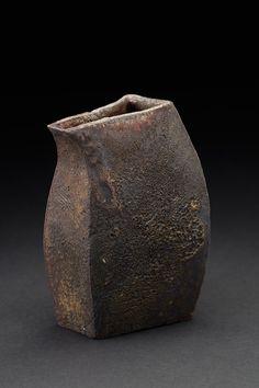 Tim Rowan    Untitled  , 2016 Woodfired ceramic 5.25 x 4 x 3 inches 13.3 x 10.2 x 7.6 cm TR 160