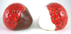 Chocolate Dipped Plump Ripe Red Strawberry Fruit Salt & Pepper Shaker S/P Set by Pacific Enterprise. $10.88