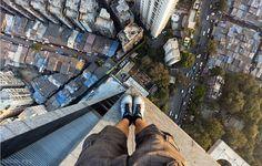 Tại sao đứng trên cao nhìn xuống lại thấy chóng mặt?