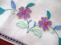 Vintage Applique Guest Towel by The Linen Lavoir, via Flickr