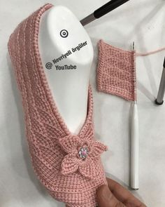 Diy Crafts - construction,hook- This page is generated by Plesk, the leading hosting automation software. Crochet Flower Patterns, Baby Knitting Patterns, Crochet Boots, Knit Crochet, Crochet Braid Styles, Crochet Bikini Top, Diy Scarf, Knitted Slippers, Crochet Woman