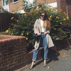 B A S I C S  Los que me conocéis sabéis que soy muy de llevar básicos... Menos (siempre) es más! Feliz lunes!  #fashionblogger #fashionworld #fashionstyle #MissGSánchezinLondon