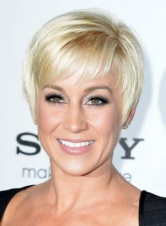 Kellie Pickler Short Pixie Hairstyles 2014 - Short Straight Pixie Haircut with Bangs