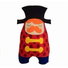 Muñeco de tela domador hecho a mano de la marca Chiribambola.
