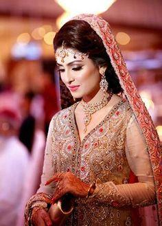 http://teluguvaradhi.com/blog/national-award-winner-actress-to-prostitution-racket/