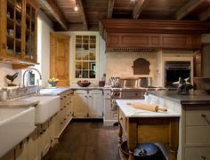 A BAKER'S KITCHEN Additions and Renovation - Oley, PA - traditional - kitchen - philadelphia - Peter Zimmerman Architects Primitive Kitchen, Country Kitchen, Country Living, French Kitchen, Kitchen White, Kitchen Small, Cream Kitchen Cabinets, Kitchen Sinks, Kitchen Island