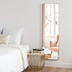 Matte Gold Metal Mirror on Maisons du Monde. Take your pick from our furniture and accessories and be inspired! Teen Furniture, Sideboard Furniture, Hallway Furniture, Small Furniture, Sofa Furniture, Dining Room Furniture, Dining Room Bench Seating, Living Room Chairs, Sun Lounger Cushions