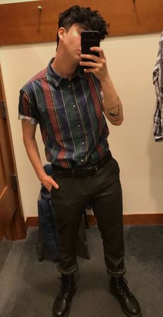 Dapper boi (I ok aspire to have his style) Lesbian Outfits, Gay Outfit, Tomboy Outfits, Cool Outfits, Casual Outfits, Tomboy Clothes, Butch Fashion, Queer Fashion, Tomboy Fashion
