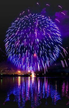 Fireworks at Miseno lake Bacoli, Italy Blue Fireworks, 4th Of July Fireworks, Fireworks Photography, Fire Works, Bonfire Night, Nouvel An, Jolie Photo, Purple Aesthetic, Sparklers
