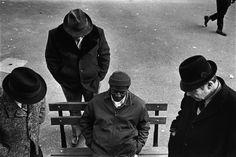Richard Kalvar. NYC. Playing checkers in Washington Square. 1976.