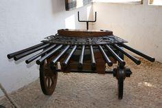 A ribaudequin, or organ gun. Reconstructed after a drawing of Leonardo da Vinci, 16th Century. Castelnaud Castle near Castelnaud-la-Chapelle, Périgord Noir, France