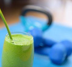 Zelená smoothie zlepšují trávení a urychlují metabolismus. Pokud chcete pár kilo shodit, je to pro vás to pravé.