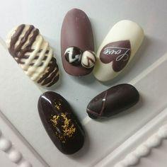 #バレンタインネイル #チョコネイル #nail #nails #nailart #neiru #ネイルサンプル #ネイル #ネイルデザイン #ネイルアート #ジェル #ジェルネイルデザイン #冬ネイル #紗々が溶けぎみ#夜中にチョコが食べたくなる罠#チョコ食べたい