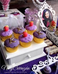 Disney Descendants Villains party - Cup Cake ideas. READ IT:  http://grown-up-disney-kid.tumblr.com/post/131391331244/how-to-have-a-wickedly-evil-descendants-party