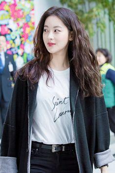 Vừa trẻ trung lại hay ho, hèn gì giới trẻ Hàn cứ mê tít phong cách của 5 sao nữ này - Ảnh 9. Oh Yeon Seo, Sassy Girl, Good Looking Women, Korean Actresses, Korean Celebrities, Girl Crushes, Beautiful Asian Girls, Korean Beauty, Ulzzang Girl