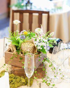 披露宴レポート8 ゲストテーブル装花 高砂と同じく『春の野の花畑』をイメージして作って貰いました #装花 #ゲストテーブル #ゲストテーブル装花 #結婚式 #結婚式レポート #披露宴 #披露宴レポート #tgoo #thegardenorientaloosaka #ザガーデンオリエンタル大阪 #tgoo花嫁組 #卒花 Wedding Guest Table, Wedding Decorations, Table Decorations, Table Flowers, Color Mixing, Floral Arrangements, Wedding Flowers, Centerpieces, Table Settings