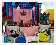 Hoje tem festa clássica e linda para a Luana, que está fazendo 5 aninhos: Princesas Disney! #princesas #Disney #festamenina #festainfantil #ratchimbum #novaodessa