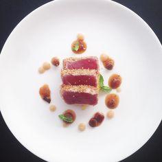 Tuna / corn / nashi pear #chefstalk #chefsroll #theartofplating #gastroart #foodblogger #seafood #bestchef #instagram #instagood #instafood #finedining #italy #rimini #foodie #food #foodporn #truecooks by tom_tomahawk