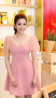 Day Dresses, Cute Dresses, Short Dresses, Girls Dresses, Princess Line Dress, Myanmar Dress Design, Girl Fashion, Fashion Dresses, Versace Dress