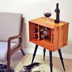 Porque todo mundo merece um cantinho do vinho em casa ♥️ #ahlaemcasa
