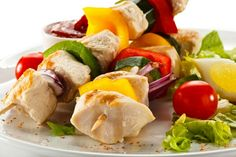 Grilled chicken and vegetables makes a great Keto diet meal. Keto Diet For Beginners, Recipes For Beginners, Atkins, Food Portions, Healthy Peanut Butter, Chicken And Vegetables, Low Carb Diet, Ketogenic Diet, Diet Recipes
