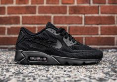 A Triple Black Colorway Of The Nike Air Max 90 Ultra BR Is Here #thatdope #sneakers #luxury #dope #fashion #trending Black Nike Shoes, Nike Shoes Cheap, Nike Air Max Black, Nike Free Shoes, Black Nikes, Jordan Shoes, Triple Black, Baskets, Nike Running