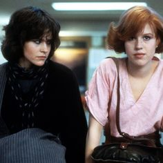 Ally Sheedy And Molly Ringwald In 'The Breakfast Club' 80s Movies, Iconic Movies, Series Movies, Good Movies, Movie Tv, 80s Movie Characters, Classic Movies, Molly Ringwald, Full House