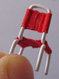 OH SO CUTE 1/48 scale Paperclip chair tutorial