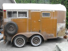 An old horse trailer, transformed into a cozy yellow camper! Diy Camper Trailer, Tiny Camper, Small Campers, Camper Van, Livestock Trailers, Horse Trailers, Tiny Trailers, Towing Vehicle, Small Trailer